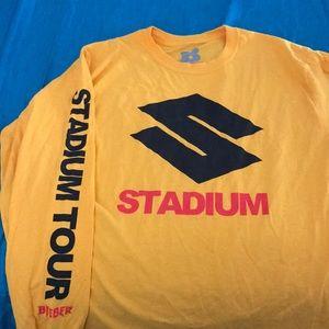 Tops - Stadium Tour yellow long sleeve 🤞🏼